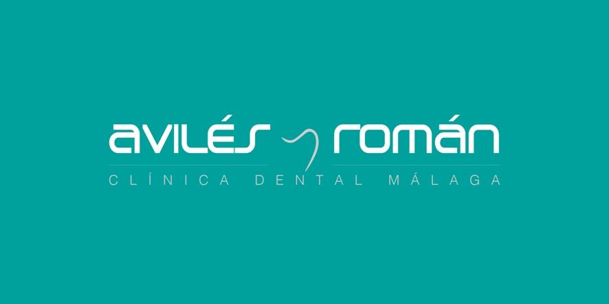 Logo Aviles y Roman